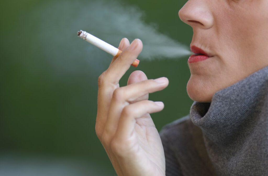 Choroby jamy ustnej jako skutek palenia tytoniu