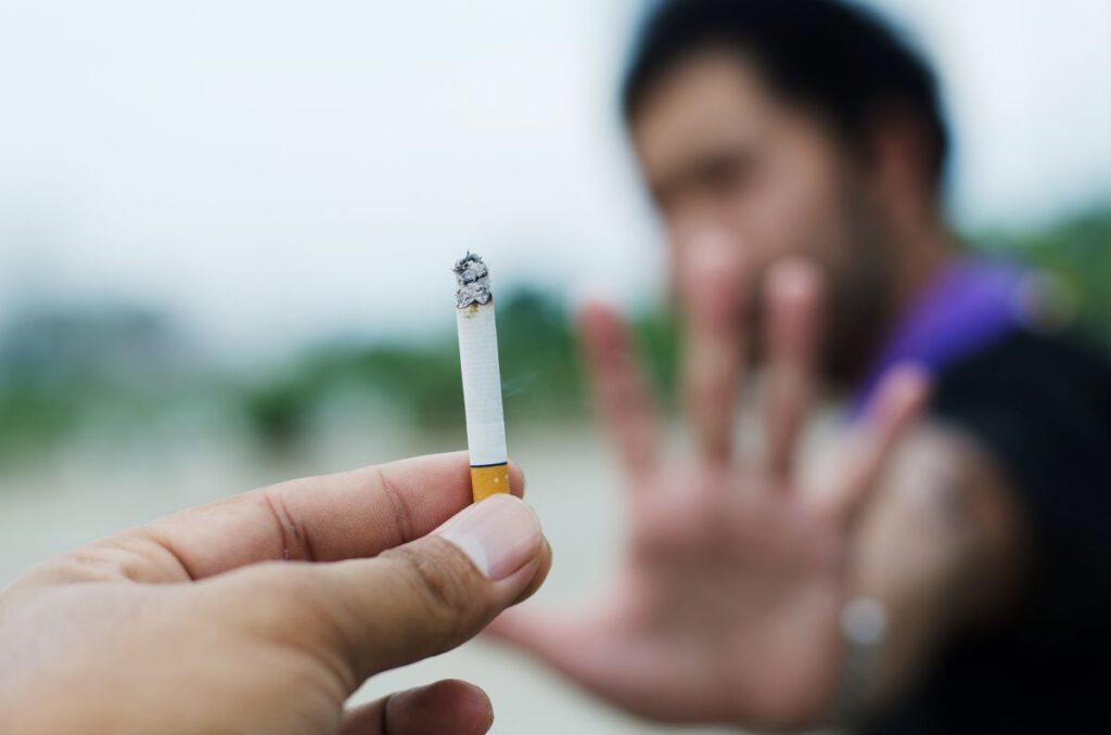 Ile ludzi pali papierosy?