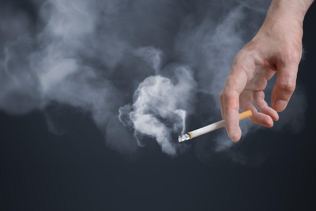 Palenie papierosów a mózg – negatywny wpływ nikotyny